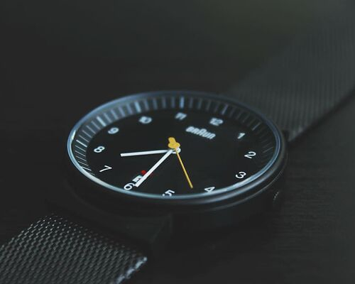 product-shot-time-watch-wristwatch